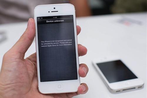 iPhone 5 xách tay hạ nhiệt vì hàng chính hãng - 1