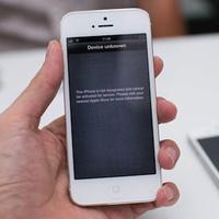 iPhone 5 xách tay hạ nhiệt vì hàng chính hãng
