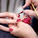 Sức khỏe đời sống - Nhiễm trùng da vì sơn móng tay