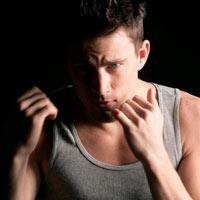 Đàn ông cơ bắp: Hấp dẫn và sống dai