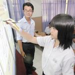 Giáo dục - du học - Được dạy môn khoa học tự nhiên bằng ngoại ngữ