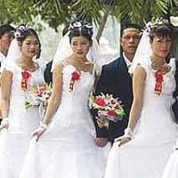 Bà mẹ Việt ôm 2 con nhảy lầu ở Hàn Quốc