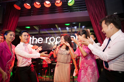 """Phong cách """"Gangnam Style"""" của The Rooftop - 1"""