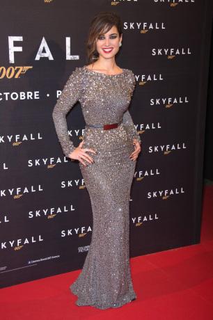 Khoe eo tài tình như Bond girl nước Pháp - 6