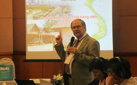 """Chuyên gia quốc tế """"bắt bệnh"""" TNGT Việt Nam - 2"""