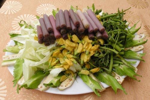 Món ăn kiểu đồng quê với bông, nụ - 4