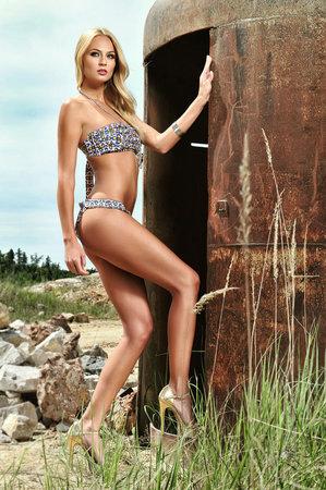 Đôi chân dài bất tận của tân Miss Earth - 7