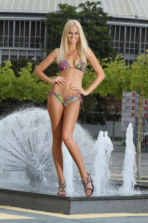 Đôi chân dài bất tận của tân Miss Earth - 9