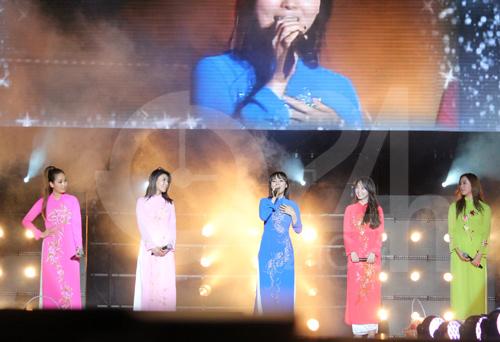 Wonder Girls mặc áo dài hát Nobody - 1