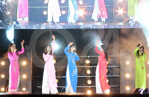 Wonder Girls mặc áo dài hát Nobody - 3