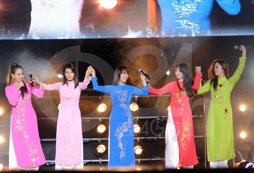 Wonder Girls mặc áo dài hát Nobody - 5