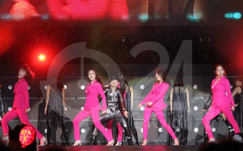 Wonder Girls mặc áo dài hát Nobody - 10