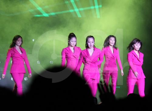 Wonder Girls mặc áo dài hát Nobody - 12