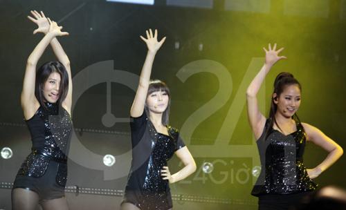 Wonder Girls mặc áo dài hát Nobody - 14