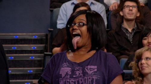 Cô gái có chiếc lưỡi dài 9,75cm - 3