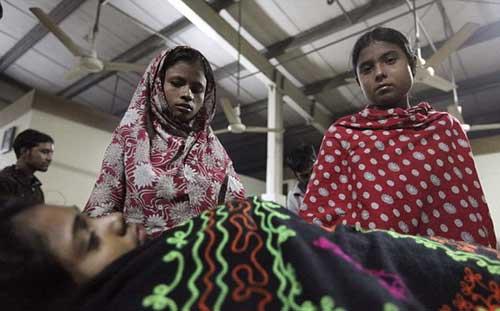 Cháy xưởng may ở Bangladesh: Hơn 120 người chết - 4