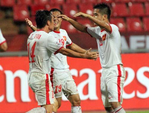 AFF Cup: Sắc đỏ dưới chiều mưa Bangkok - 1