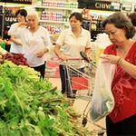 Thị trường - Tiêu dùng - Hàng hóa Tết: Giá cả không biến động lớn
