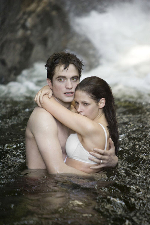 10 cảnh yêu hấp dẫn của series Chạng vạng - 9