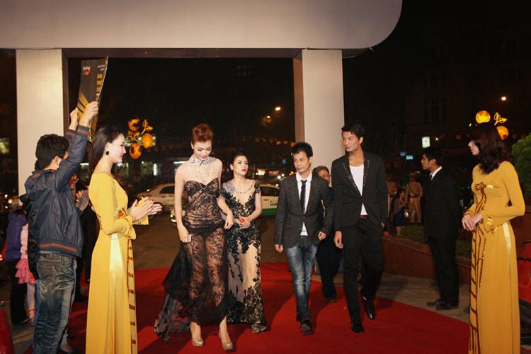 Hoàng Hải giải trình về váy của Hồng Quế - 4