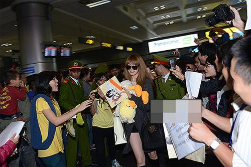 T-ara có mặt sớm tại Hà Nội - 9