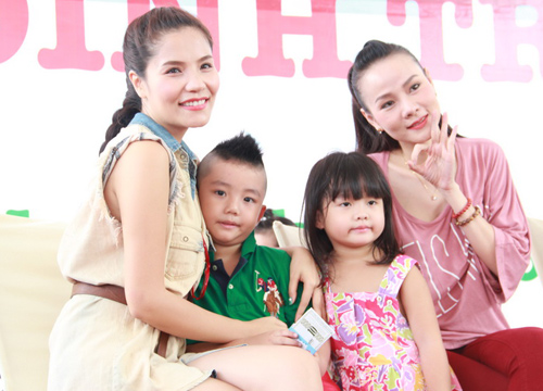 Dương Cẩm Lynh quấn quýt trẻ nhỏ - 11