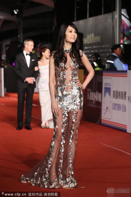 Người đẹp Việt mặc sexy áp đảo sao Cbiz - 2