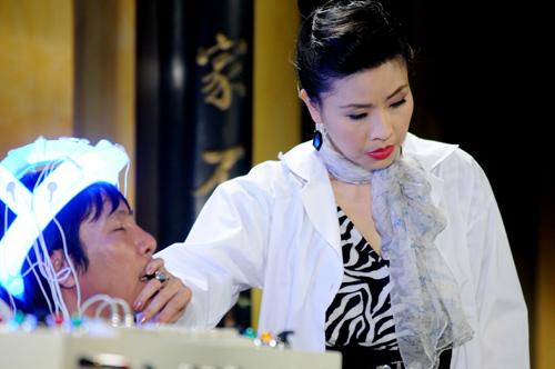 """Hà Tăng """"so găng"""" với Hoài Linh - 4"""
