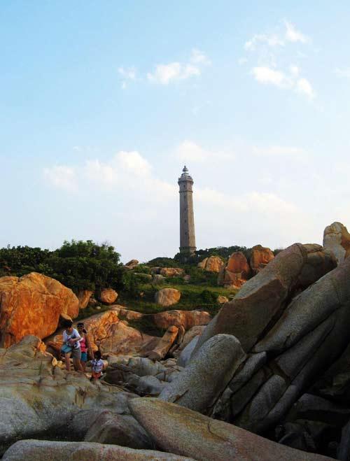 Ngọn hải đăng cổ nhất Đông Nam Á ở Bình Thuận - 3