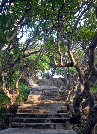 Ngọn hải đăng cổ nhất Đông Nam Á ở Bình Thuận - 7