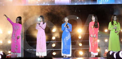Trưởng nhóm Wonder Girls kết hôn - 5