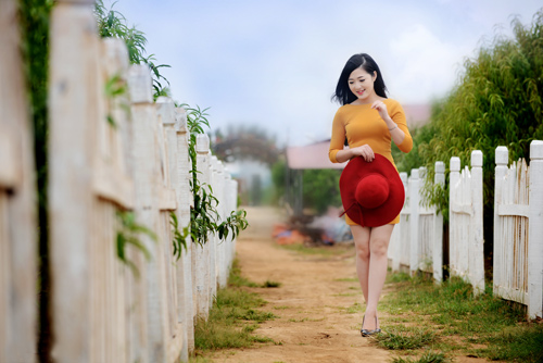 Nữ sinh Truyền hình khoe sắc giữa rừng hoa - 11