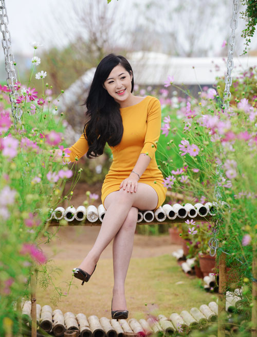 Nữ sinh Truyền hình khoe sắc giữa rừng hoa - 4