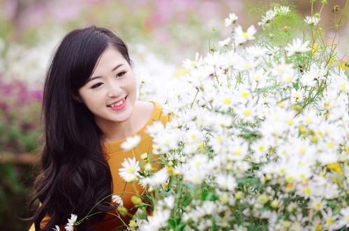 Nữ sinh Truyền hình khoe sắc giữa rừng hoa - 9