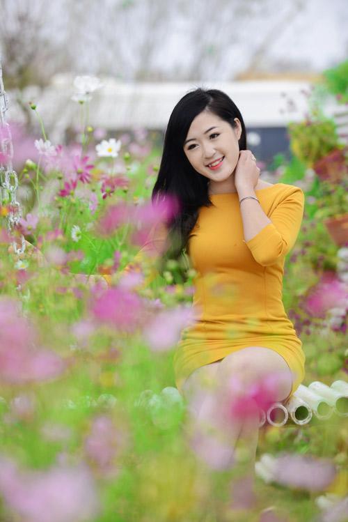 Nữ sinh Truyền hình khoe sắc giữa rừng hoa - 3