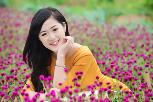 Nữ sinh Truyền hình khoe sắc giữa rừng hoa - 7