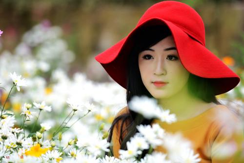 Nữ sinh Truyền hình khoe sắc giữa rừng hoa - 10