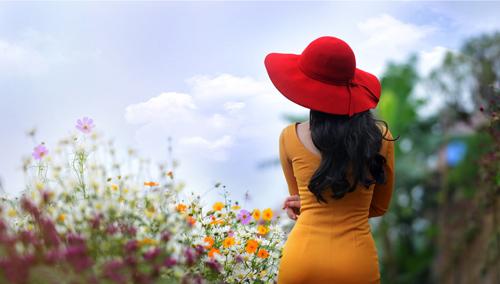 Nữ sinh Truyền hình khoe sắc giữa rừng hoa - 12