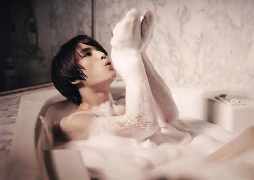 Mỹ nam Hàn sexy với cảnh tắm - 12