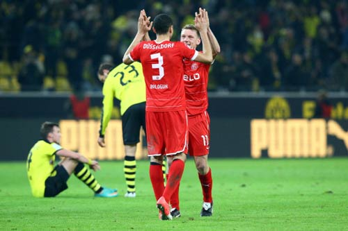 Dortmund - Dusseldorf: Ép sân toàn tập - 1
