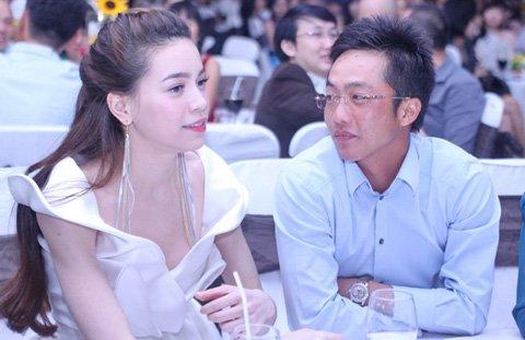 Vợ chồng Hà Hồ và khoảnh khắc tình tứ - 7