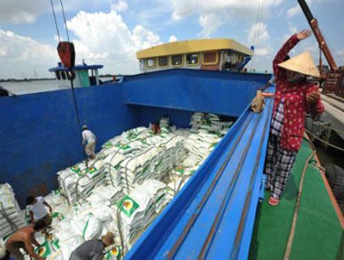 Giá gạo xuất khẩu giảm mạnh - 1