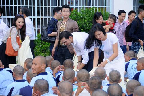 Tuổi 40, Việt Trinh thách thức thời gian - 4