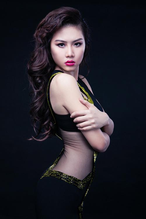 Người đẹp Diễm My khoe hình thể sexy - 5