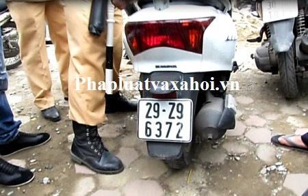 NK141: Bác sỹ mua ma túy đá về... dùng - 1