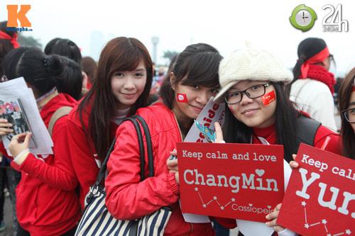 Fan Việt đội mưa, rét xem Kpop - 4