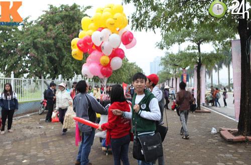 Fan Việt đội mưa, rét xem Kpop - 9