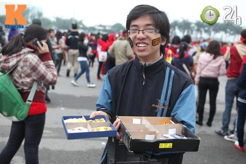Fan Việt đội mưa, rét xem Kpop - 13