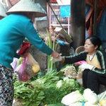 Thị trường - Tiêu dùng - Trời trở lạnh, rau xanh tăng giá