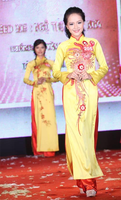 Nữ sinh Văn Hóa đăng quang Hoa khôi Hà Nội - 9